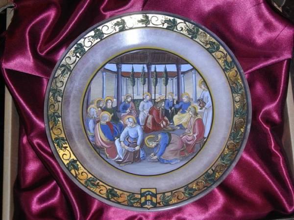 Piatto in alabastro decorato a mano con oro in foglia